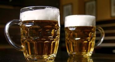 10 načina kako otvoriti pivo bez otvarača