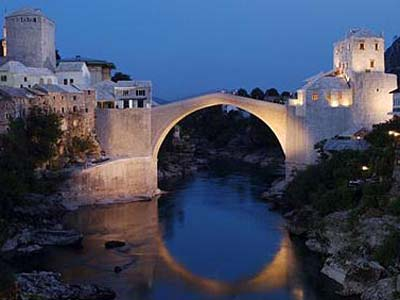 Kako se dijeli novac u Mostaru i je li zapadni Mostar Las Vegas a istočni Hirošima?