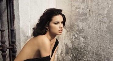 Adriana Lima kao diva 50-tih