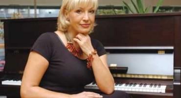 'Probudila sam se u lokvi krvi, brutalna ispovijest Suzane Mančić o gubitku tri bebe potresla javnost