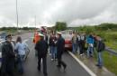 Autobus pun djece seltio s ceste, 20 ozlijeđenih