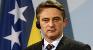 AVAZ SAHRANJUJE LIDERA DF: Komšić je trojanski konj među Bošnjacima!