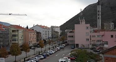 Čudna jada od Mostara grada gdje fasade padaju sa zgrada