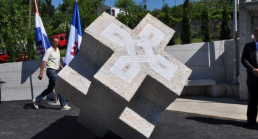 U POLOGU ĆE SE POSTAVITI TENK Spomenik zaustavljanju tenkova JNA uskoro bi mogao biti završen
