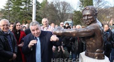 U Ljubuškom otvoren spomenik Georgu Juri Chuvalu