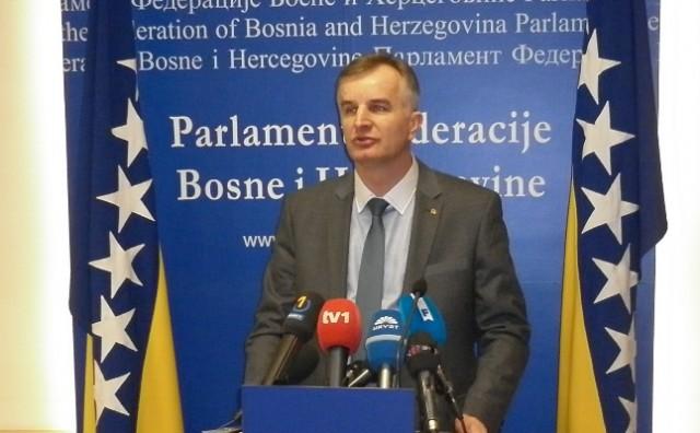 Lijanović će minimalne otkupne cijene za malinu opet vratiti na 3KM