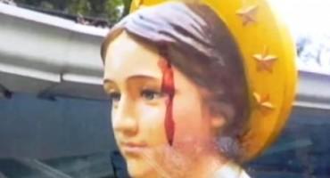 Kip Djevice Marije 'krvari' iz glave, TV ekipa snimila prizor