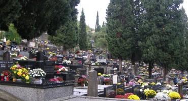 Mostarska groblja prepuna posjetitelja na blagdan Svih svetih