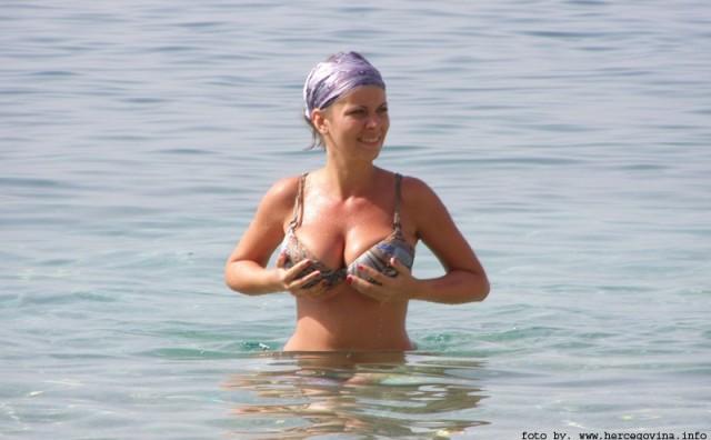 Do koje godine ženama rastu grudi?