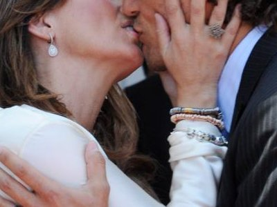 Nikad nećete pogoditi kako je nastao poljubac