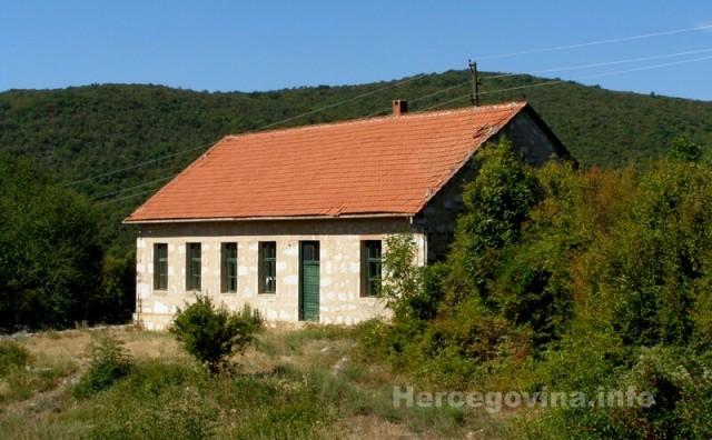 Đubrani kod Mostara: Dvoji svati a jedna divojka