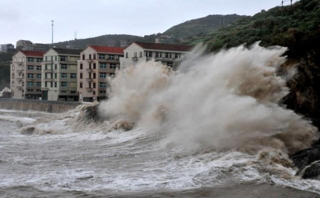 Evakuirali tisuće ljudi zbog snažnog tajfuna Fitow