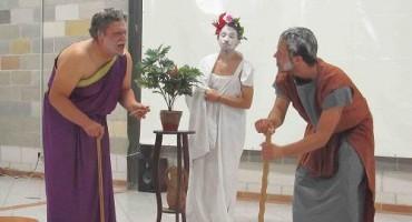 """U Aladinićima odigrana predstava """"Tvrdica"""" u izvedbi studenata Filozofskog fakulteta iz Mostara"""
