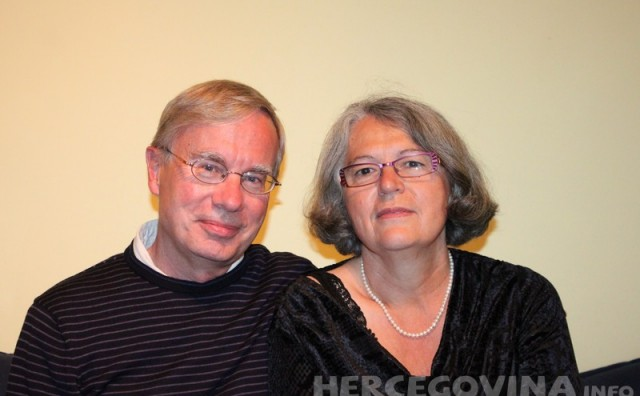 Znanje koje vrijedi je ono koje dijelimo s drugima- Volonteri  Marija i John