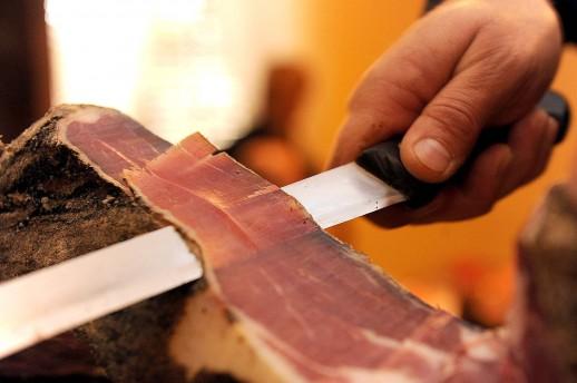 Tomislavgrad: Lopovi obijaju sušnice i kradu suho meso