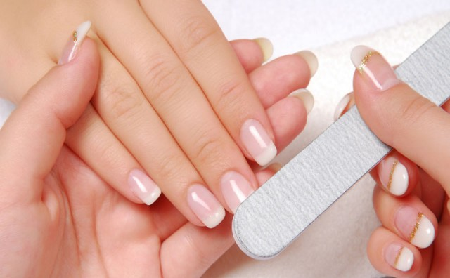 Manjak kalcija i nokti