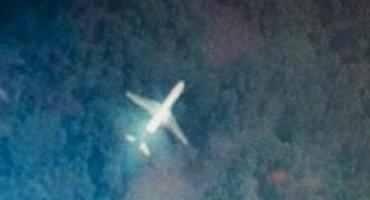 Novinari CNN-a tvrde: Nestali Boeing 777 je progutala 'crna rupa'.