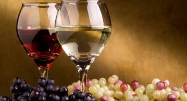 Ohladite vino u samo 7 minuta uz ovaj genijalan trik s krpom