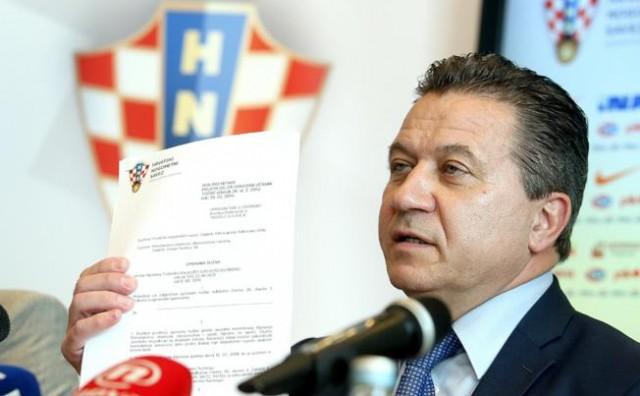 FIFA i UEFA ne dopuštaju upletanje politike u rad Saveza