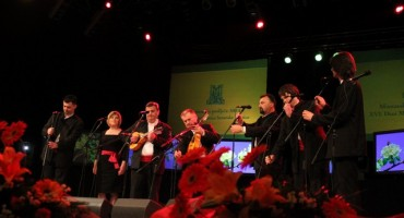 Nastup klape Hrvoje na otvaranju Mostarskog proljeća