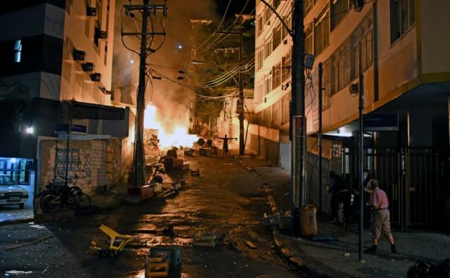 Žestoka pobuna u Copacabani nakon smrti u faveli