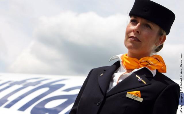 Ilegalni imigrant stavio žilet stjuardesi pod vrat