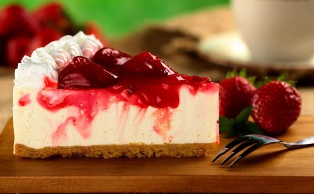 Torta od jogurta s jagodama: Light verzija slasnog cheesecakea