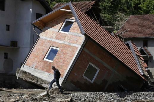 Više od 100.000 uništenih domova i najmanje 230 škola i zdravstvenih ustanova