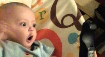 Pogledajte zbog čega je ovaj mališan toliko oduševljen