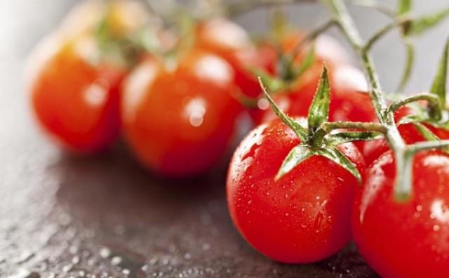 Trik s cherry rajčicama koji će osvojiti i najnespretnije u kuhinji