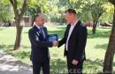 Plivači KVS 'Orca' posjetili FPMOZ i uručili zahvalnicu dekanu Vasilju
