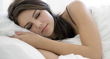 Položaj za spavanje koji će vam spasiti kičmu