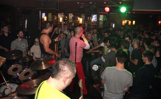 Odlična atmosfera na sinoćnjem nastupu Brkova u Mostaru!
