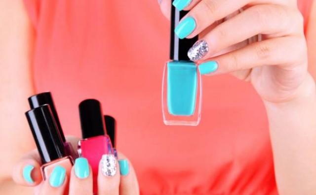 Kako skinuti lak s noktiju bez acetona? – naučite nešto novo