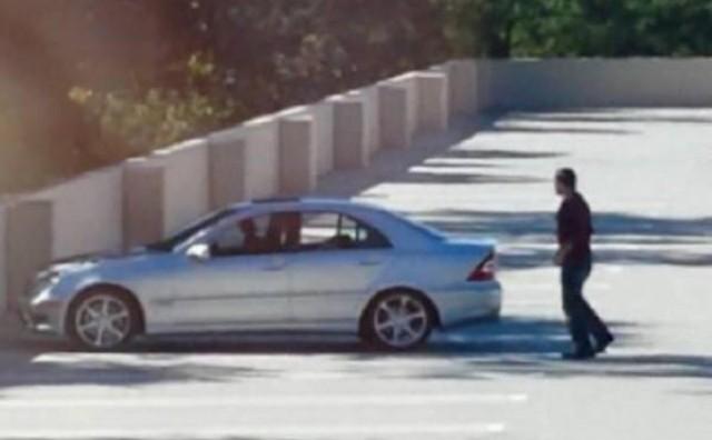 Seksali se usred bijela dana na parkiralištu i izazvali pomutnju