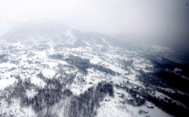 Očajne obitelji već pet dana zarobljene u snijegu i ledu mole za pomoć