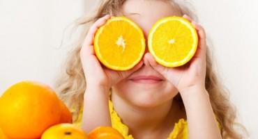Pogledajte koliko je zapravo jednostavno oguliti naranču