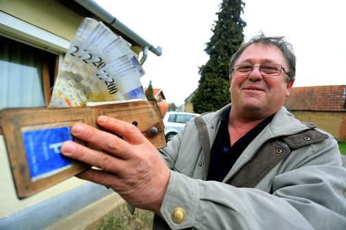 Dobra vila vratila lovu: Nakon 14 godina mu stigao novčanik