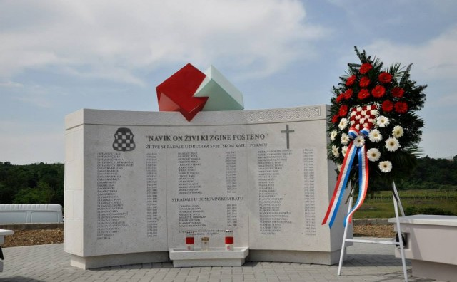 Krehin Gradac: Blagoslovljen spomenik poginulim braniteljima