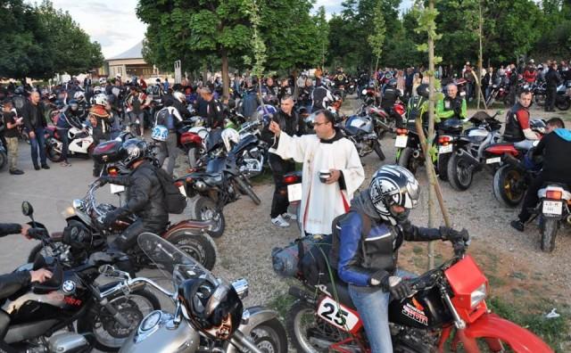 Međugorje: Fra Marinko Šakota blagoslovio sudionike VI. Moto-hodočašća