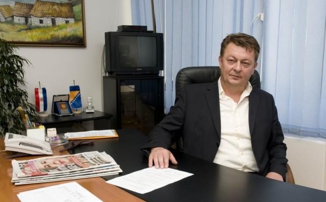 Ćosić: Donio sam odluku o razrješenju ministra Borasa