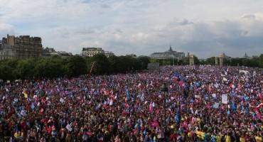Na prosvjedu protiv homoseksualne ideologije u Rimu se okupilo MILIJUN ljudi