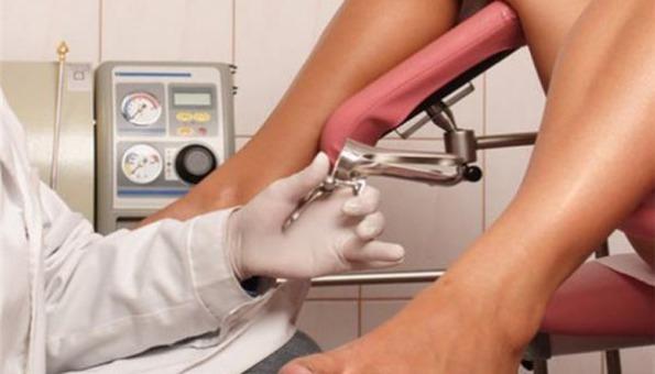 Pretvarao se da je ginekolog i pregledavao žene