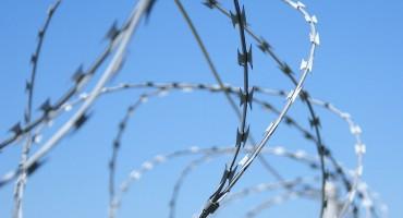 Slovenska vlada žičanu ogradu na granici ne namjerava ukloniti prije jeseni