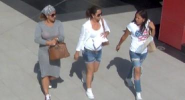 Mostar: Tri privlačne djevojke opljačkale starca ispred Mepasa