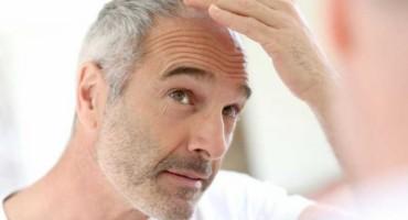Nećete trebati boju za kosu ako isperete kosu OVOM tekućinom