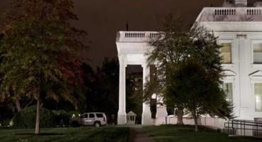 Blokirana Bijela kuća, nepoznata osoba preskočila ogradu