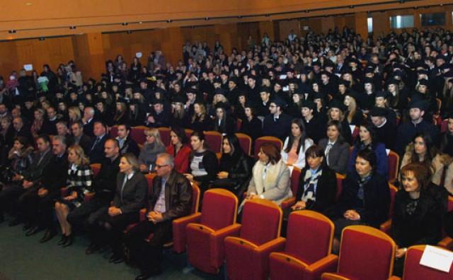 Mostar: Diplome dobilo 113 magistara prava, 8 diplomiranih pravnika i 17 pravnika