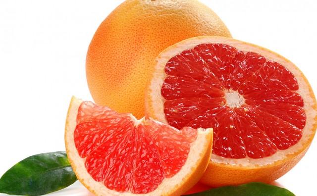 Zaboravite na vodu s limunom: Napitak s ovim voćem pravi je hit za mršavljenje i detoksikaciju