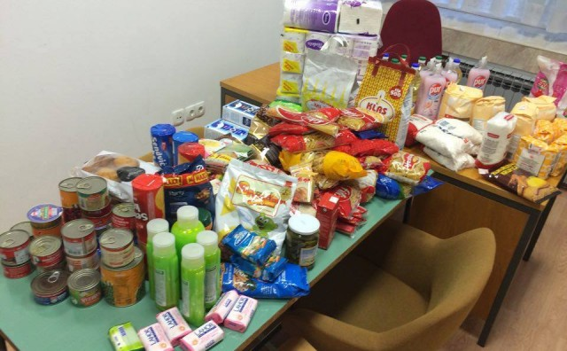 Mostar: Studentski paket ljubavi obradovao 50 obitelji